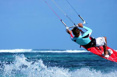 Kite- und Windsurf Erlebnisse