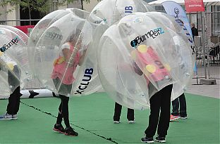 bubble football v cklabruck jollydays geschenke. Black Bedroom Furniture Sets. Home Design Ideas