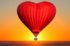 Romantische Ballonfahrt für Zw...
