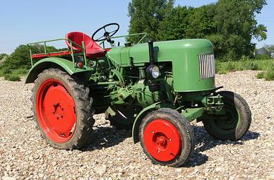 Oldtimer Traktor selber fahren