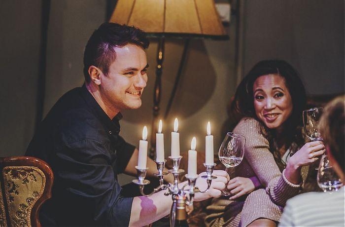 Wo kann man Singles kennenlernen? Wie flirtet man richtig?